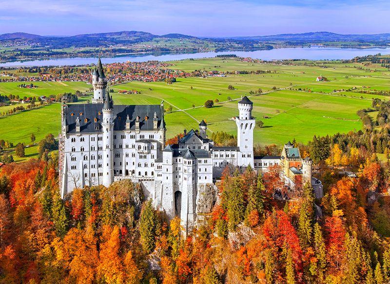 Schloss Neuschwanstein Nostalgic Oldtimerreisen Tolle Reiseziele Orte Zum Besuchen Schone Orte