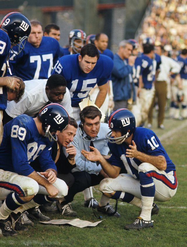 Giants Head Coach Allie Sherman Huddles With Bobby Crespino 89 Fran Tarkenton 10 And Teammates Dur Giants Football Ny Giants Football Nfl Football Players