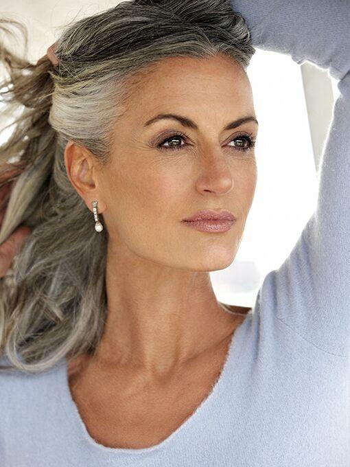 Bildergebnis Für Graue Haare Wachsen Lassen übergang Frisuren