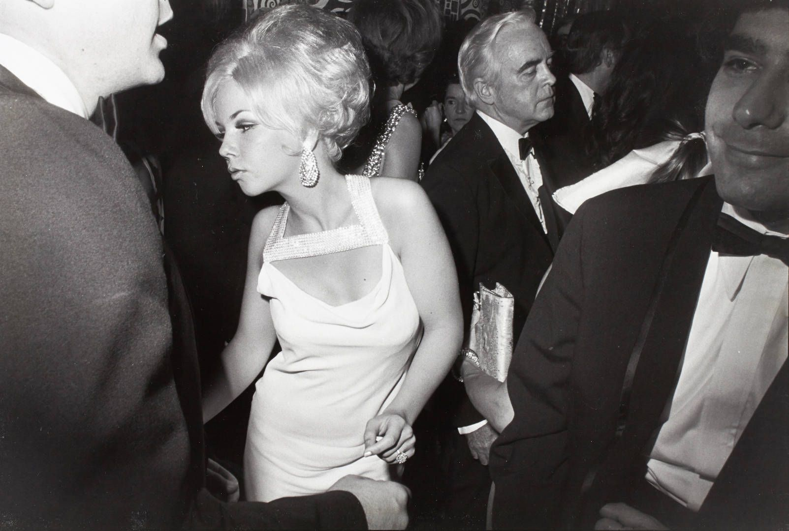 Garry Winogrand, courtesy of Lola Garrido Collection,  Jubilee Ball, Metropolitan Museum of Art New York, 1969