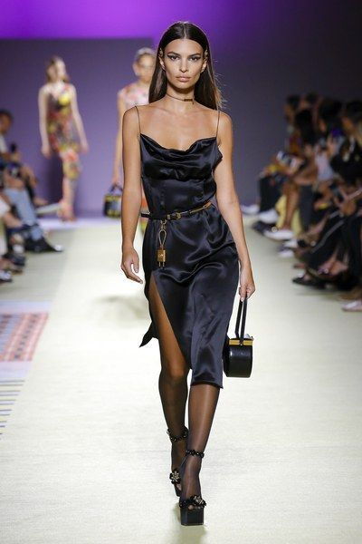 Versace Spring 2019 Ready-to-Wear Fashion Show -  View the full Spring 2019 collection from Versace. #TrendyWomensWear  - #90sRunwayFashion #Fashion #ReadytoWear #RunwayFashion2020 #RunwayFashionaesthetic #RunwayFashionchanel #RunwayFashioncrazy #RunwayFashiondior #RunwayFashiondresses #RunwayFashionvogue #RunwayFashionwomen #Show #Spring #Versace