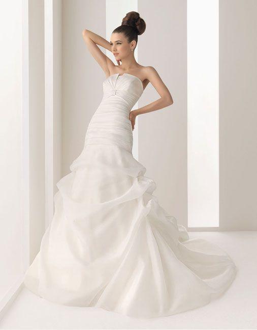 Strapless natural waist A-line tulle wedding dress
