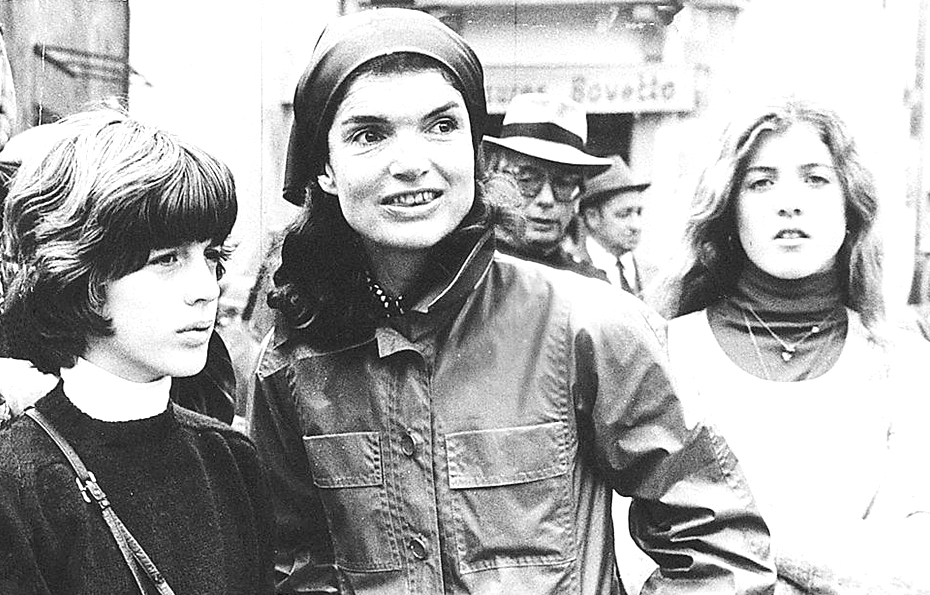 """Former First Lady Mrs ~~Jacqueline Lee (Bouvier) Kennedy Onassis """"Jackie"""" (July 28, 1929 – May 19, 1994).with her sons . ♡♡♡ http://en.wikipedia.org/wiki/Jacqueline_Kennedy_Onassis http://en.wikipedia.org/wiki/John_F._Kennedy_Jr. http://en.wikipedia.org/wiki/Caroline_Kennedy"""