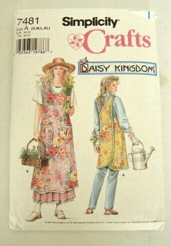 Simplicity Daisy Kingdom Apron Pattern 7481 uncut unused