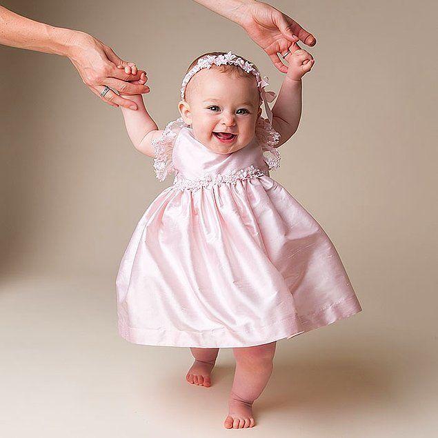 """Hatta biz yetişkinler bile bazı renkleri giyerken iki kere düşünüyoruz, cinsiyetimize uygunluk arıyoruz istemsizce. Bebekler için yaptığımız seçimlerin ise durumu daha da vahim. Neden erkekler bebekler mavi, kız bebekler pembe giydirilir? Konuyla ilgili bir kitap:Amazon.com: Pink and Blue:...  #Beri, #Erkekler, #Giydiriliyor, #Kızlar, #Maddede, #Pembe, #Zamandan, #""""Mavi https://havari.co/13-maddede-ne-zamandan-beri-kizlar-pembe-erkekler-de-mavi-giydiriliy"""