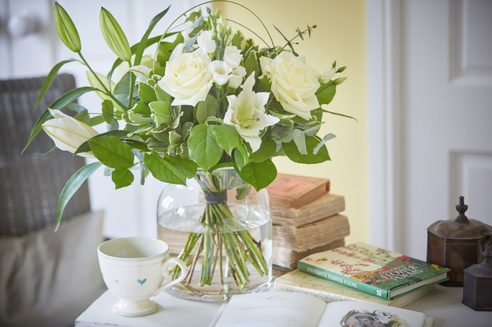 How to Choose the Perfect Vase for Your Flowers