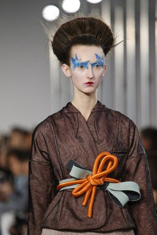 See detail photos for Maison Margiela Spring 2016 Ready-to-Wear collection.