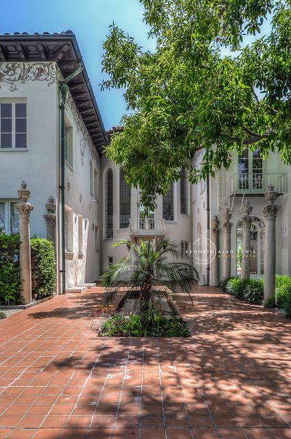 a960659272bd07f05f6244233c1a5d9c - Villas & Terraces At The Ambassador Gardens