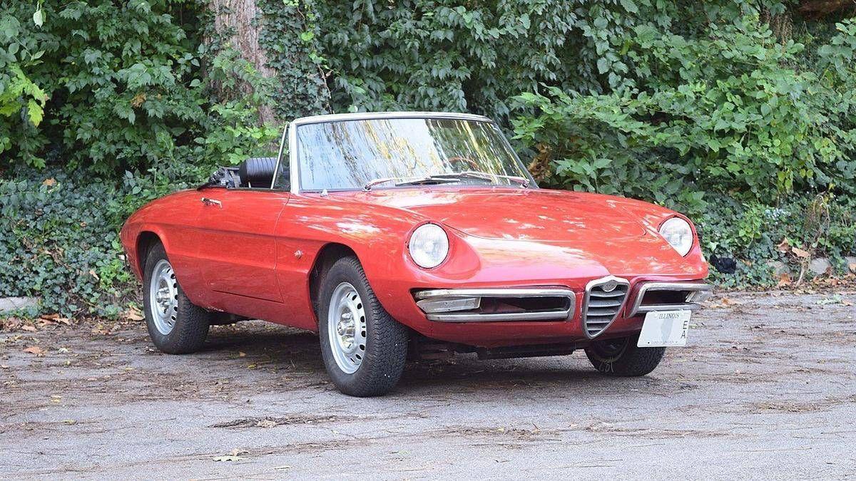 Ces Voitures Les Plus Emblematiques Des Annees 60 Car Alfa Romeo Spider Duetto Wellness Design