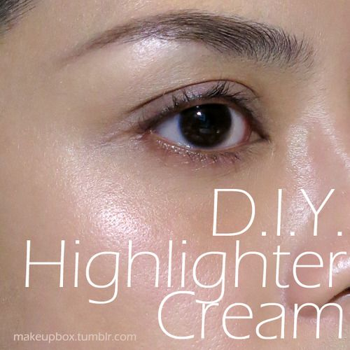 Make Your Own Liquid Highlighter Super Quick Trick For Glowing Diy Highlighter Makeup Highlighter Beauty Tips For Hair