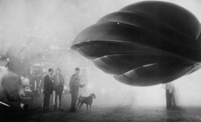 Flight Of The Navigator Flight Of The Navigator Spaceship Art Sci Fi Ships