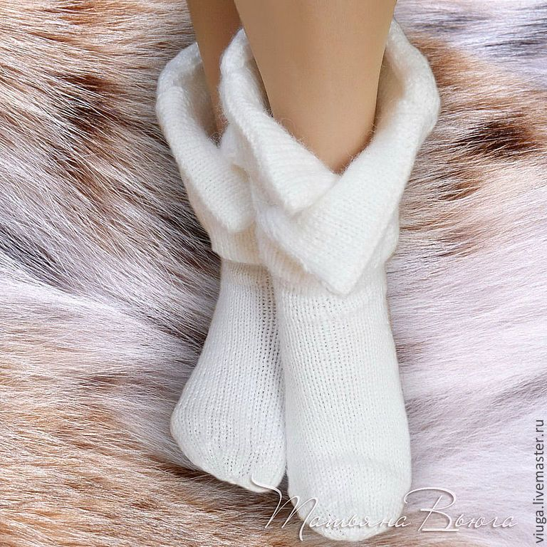Купить Кыся. Носки вязаные, шерстяные, подарок ручной работы - белый, объемный, кот в сапогах