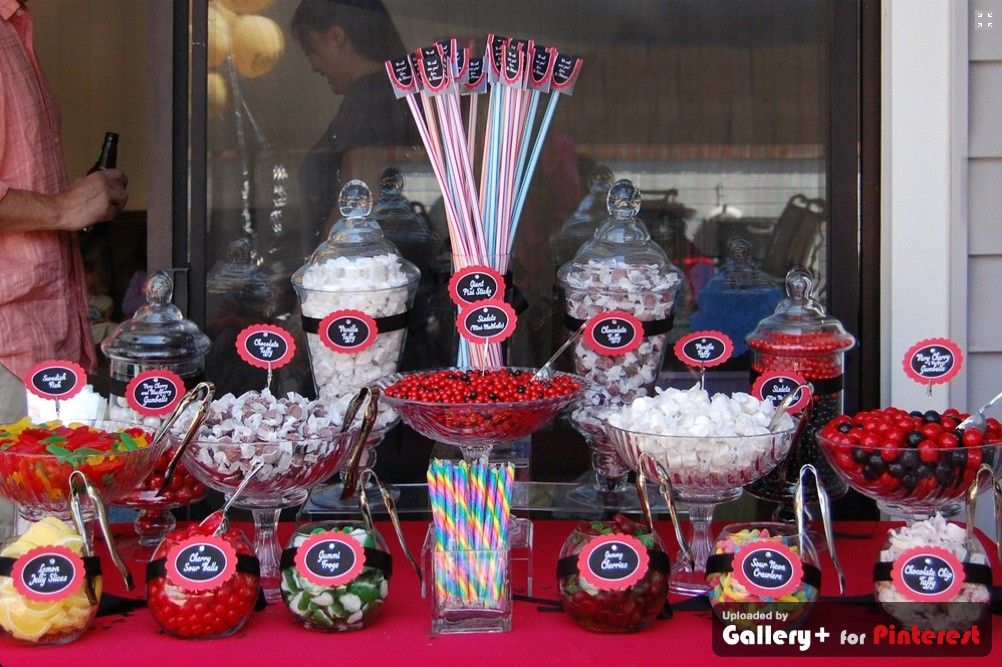 Kentucky derby red and black candy buffet candy bar for Decoration annee 80