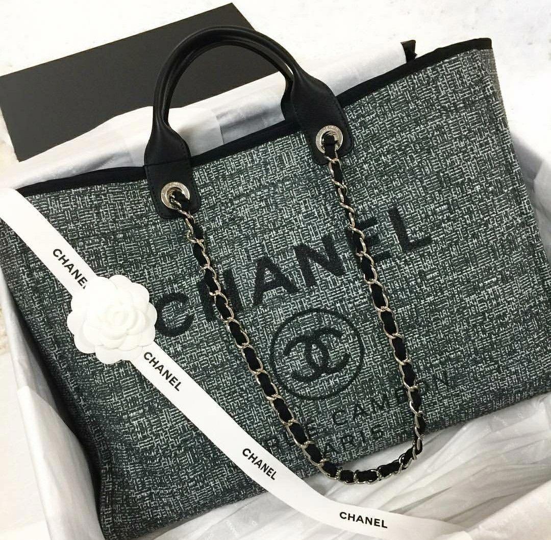 1d1b82e93356a Chanel  Chanelhandbags Chanel Handbags 2017