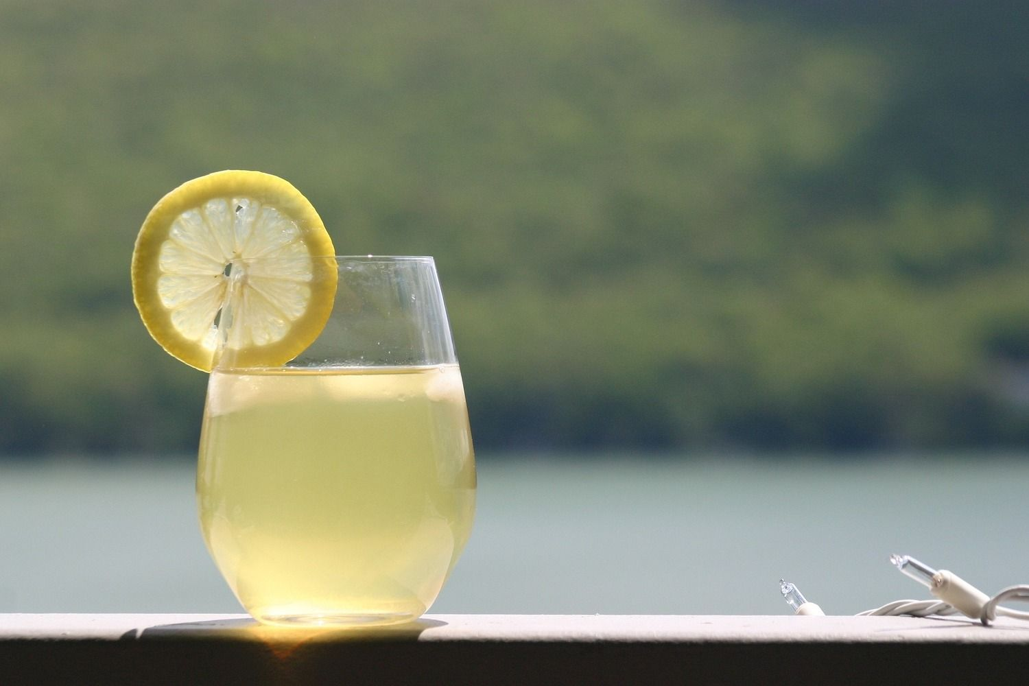 Demonade by Golden Coast Mead | A summer mead cocktail recipe that will cool you down on the hottest of days. | http://www.goldencoastmead.com/mead-tails/ #orangeblossom #citrus #hardlemonade