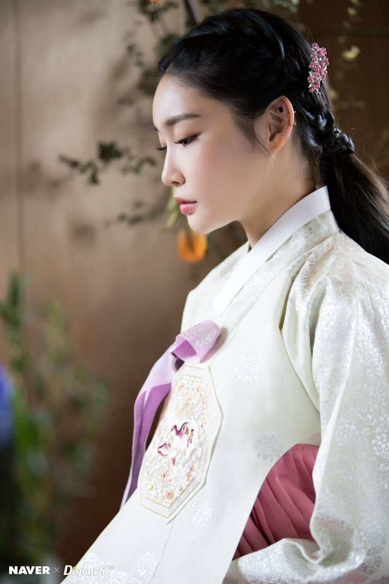 Chungha Hanbok for Lunar New Year by Naver x Dispatch.