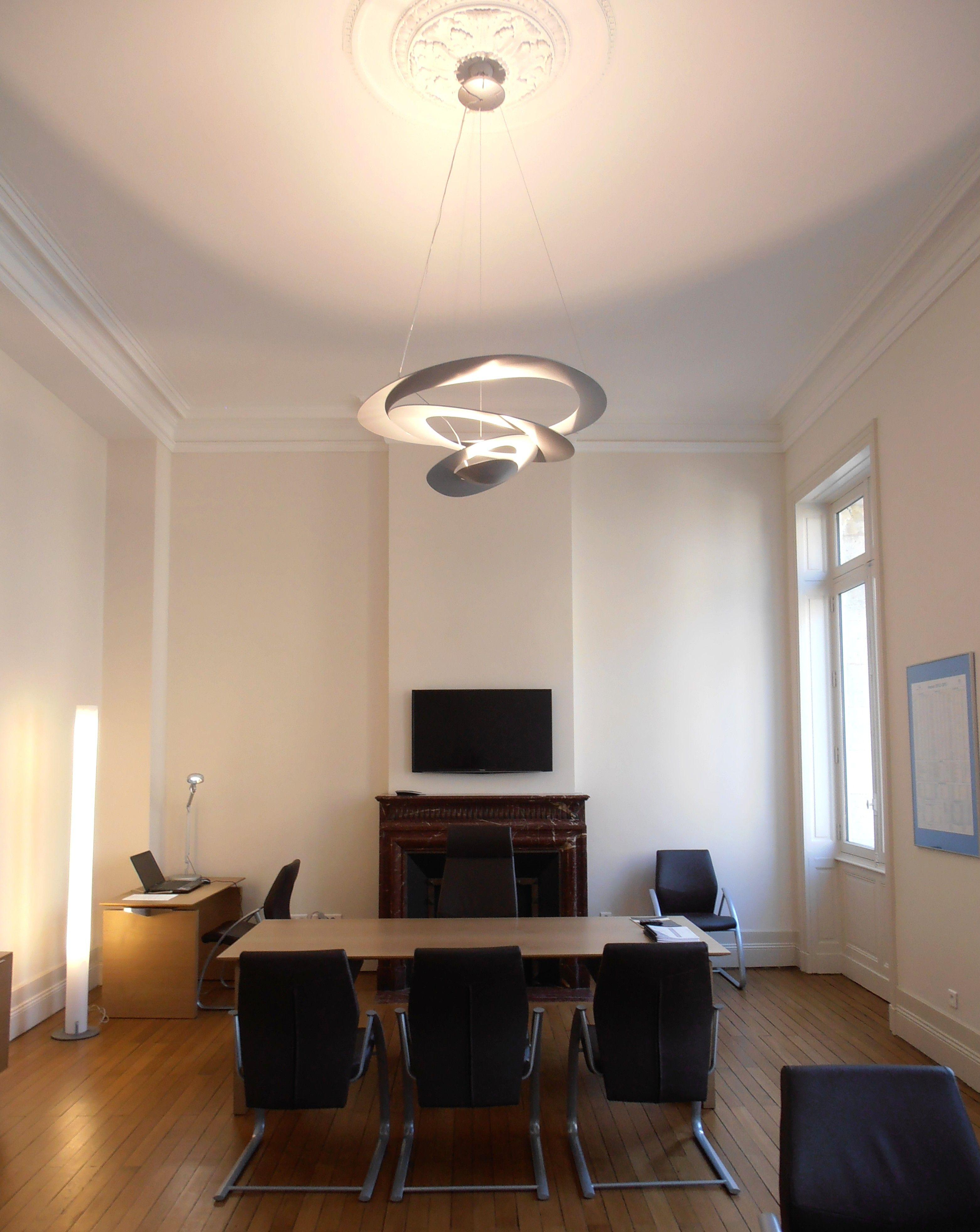 pingl par luminaire saintr mi sur nos r alisations. Black Bedroom Furniture Sets. Home Design Ideas