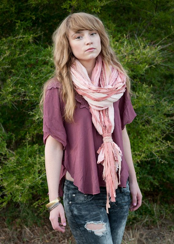 this scarf is soo cute. also I personally think could work in both winter and spring