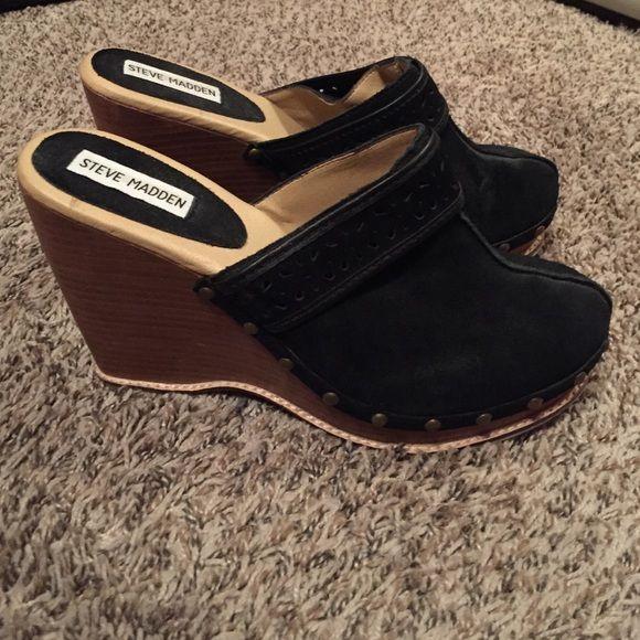 Steve Madden clog wedges! Black suede Steve Madden wooden clog style wedges. Steve Madden Shoes Wedges