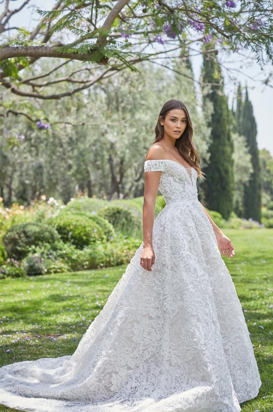 Monique Lhuillier Spring 2021 Bridal Arabella In 2020 Wedding Dresses Monique Lhuillier Bridal Ball Gown Wedding Dress