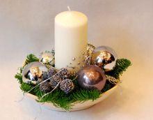 Kompozycje Stroiki I Wianki Na Boze Narodzenie Christmas Floral Christmas Floral Arrangements Christmas Flowers