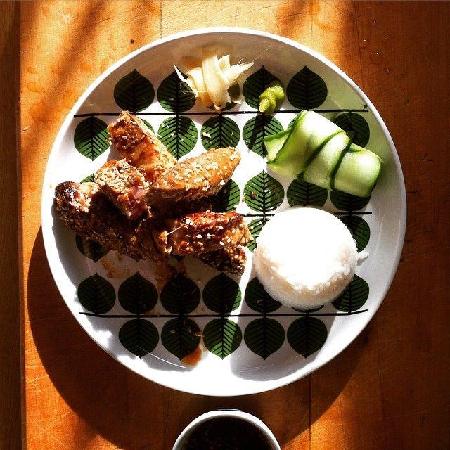 Dinner #tuna #sushirice #lemonsqueezedoncucumberslices #ginger #sesameseeds #gingergarliclemonhoneydippingsauce #tasteexplosion