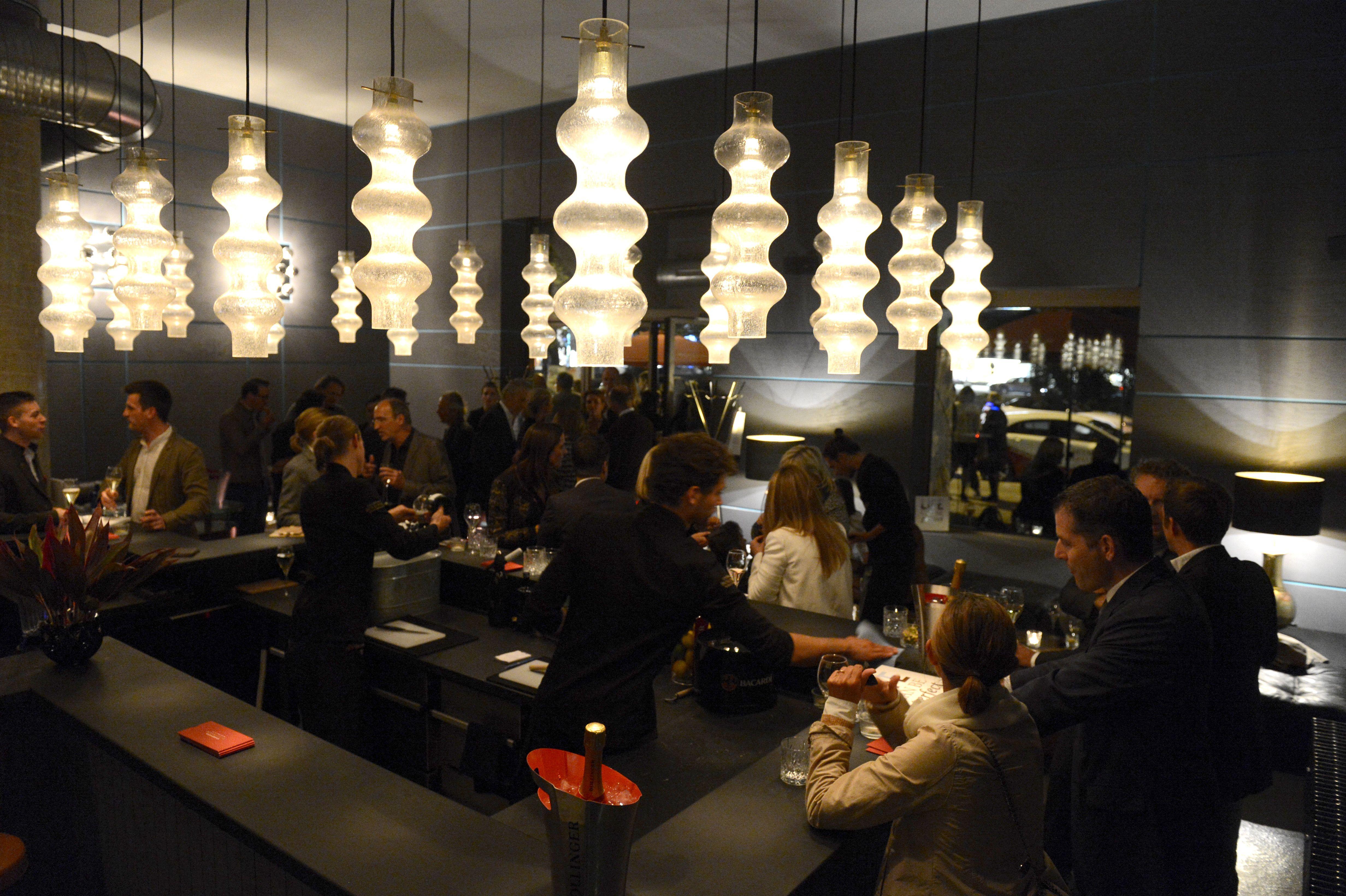 fantom new bar in the centre of munich municlove caf s bars l den pinterest m nchen. Black Bedroom Furniture Sets. Home Design Ideas