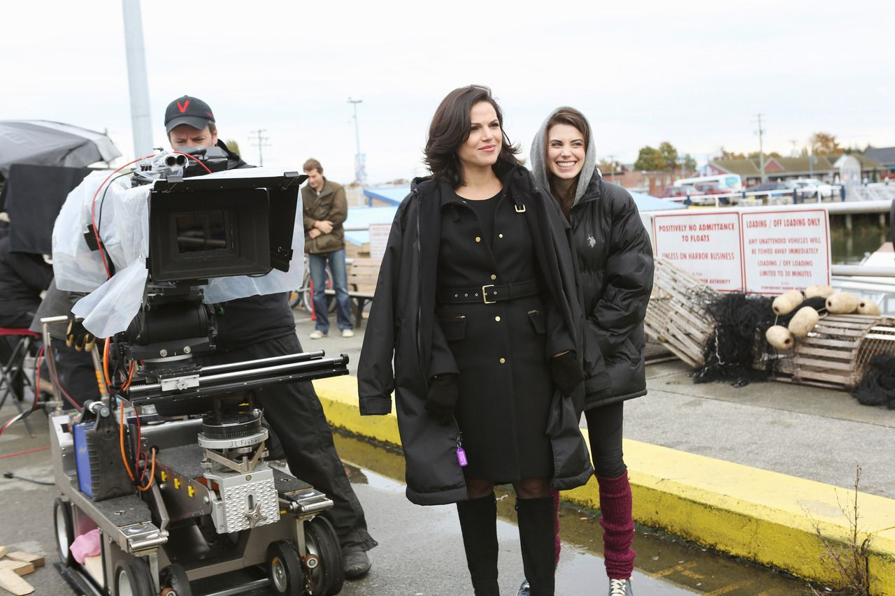 Lana Parrilla Photo Lana Parrilla Once Upon A Time Time News Cricket Games