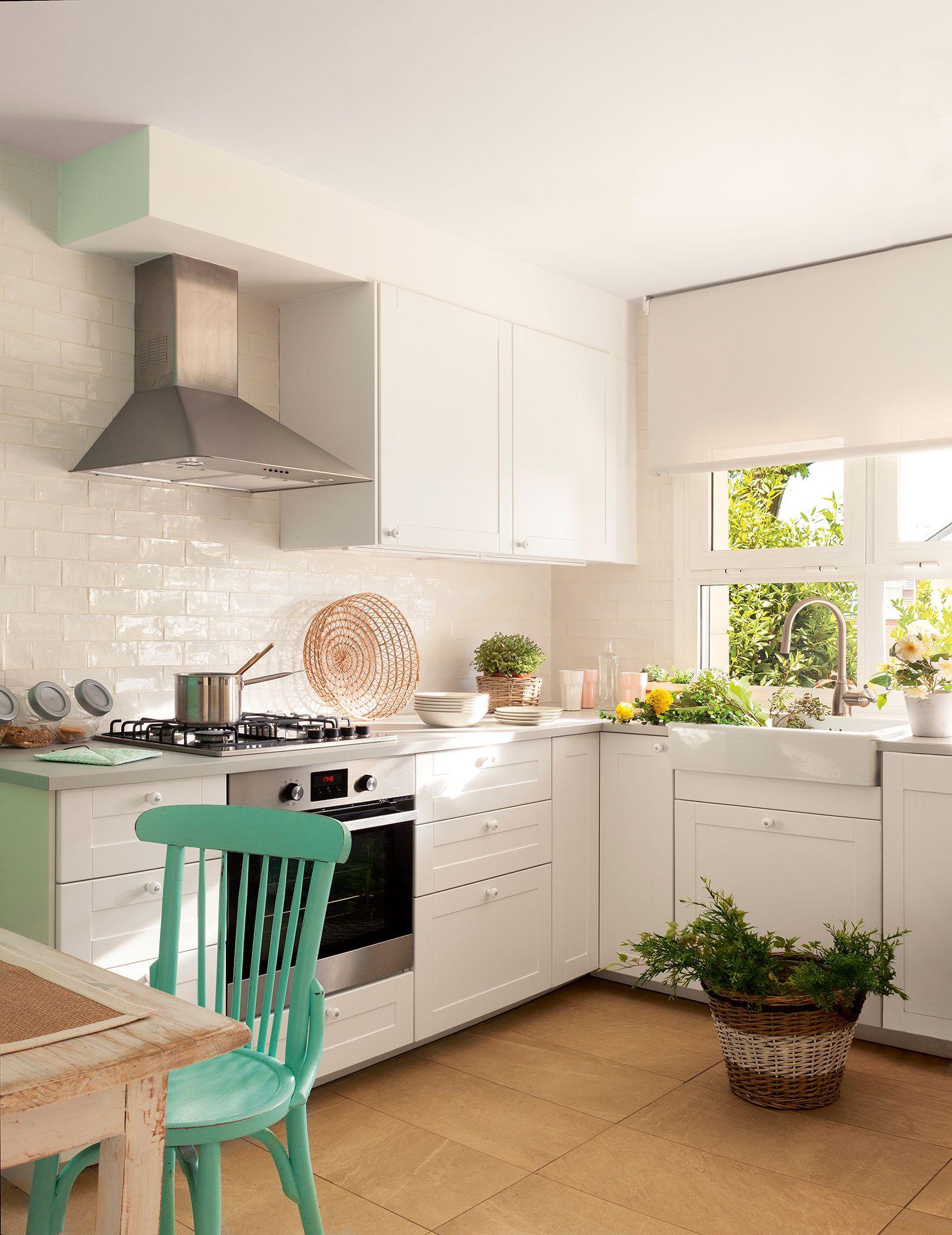 Blanco y verde, a dúo  Fotos de cocinas pequeñas, Decoración de
