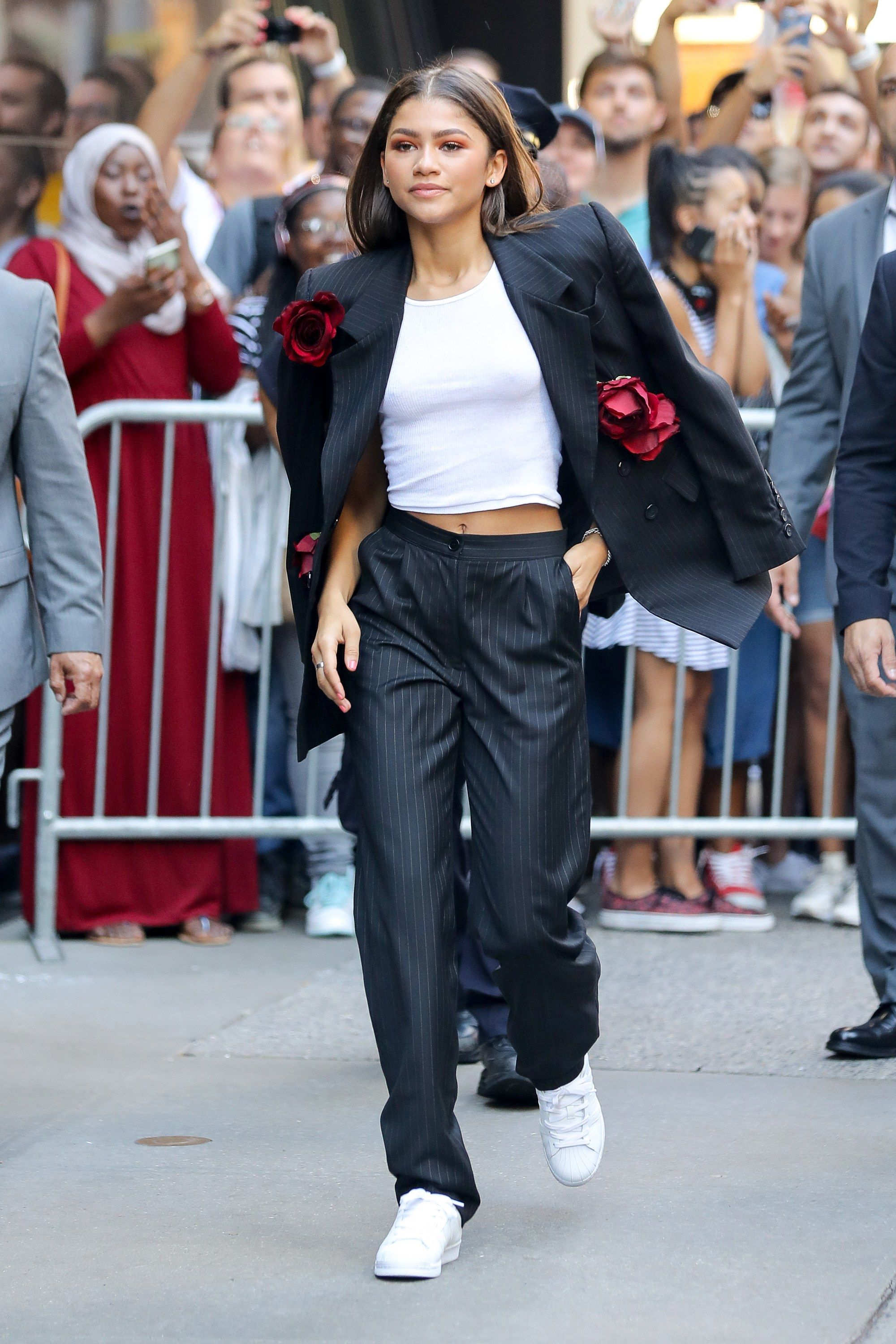 Can You Wear Sneakers With a Suit? Zendaya Proves It's Possible | Zendaya  outfits, Zendaya style, Fashion