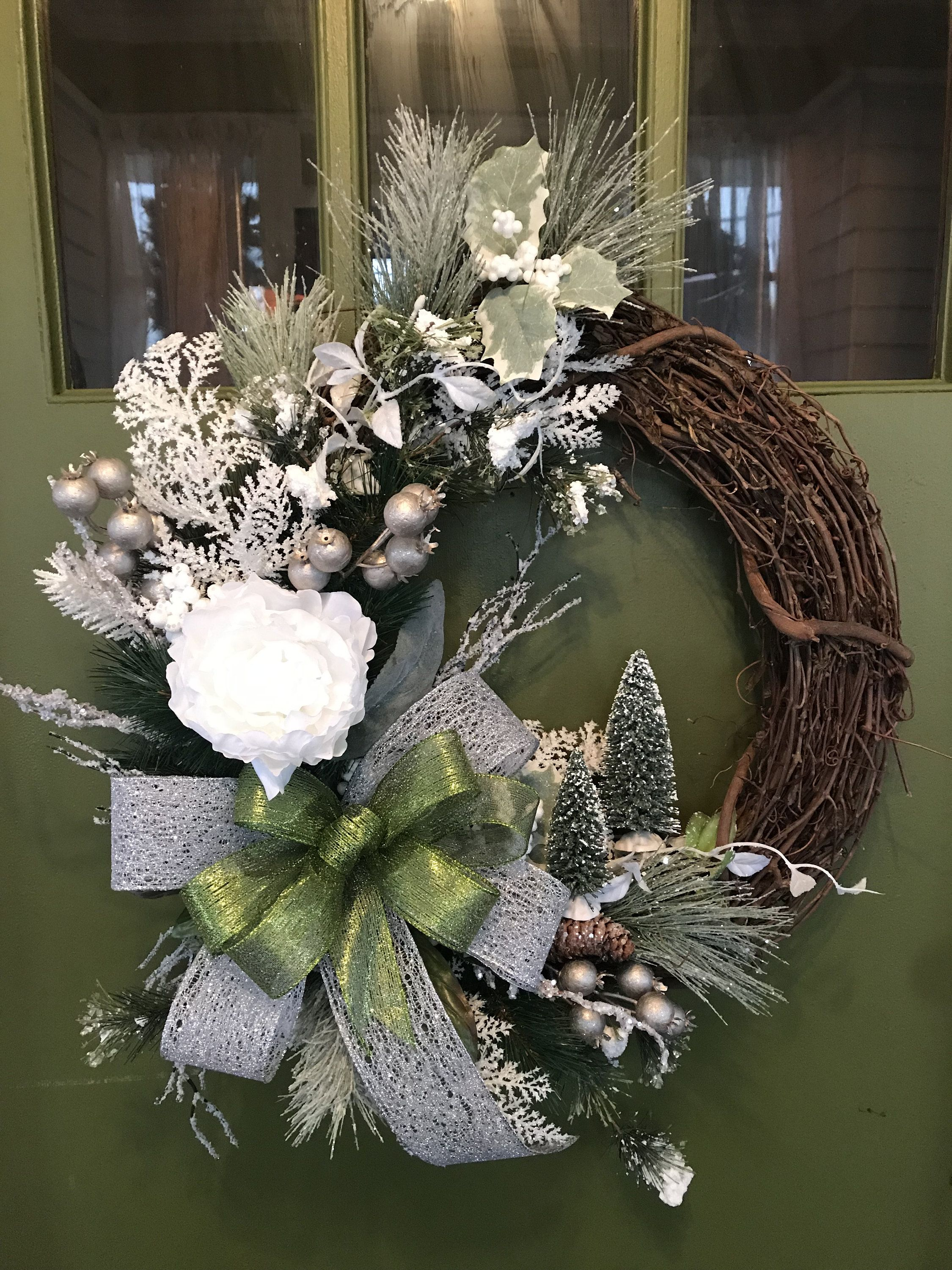 After Christmas And All Winter Long White And Green Grapevine Wreath For Door Wreaths Wreaths For Front Door Grap Grapevine Wreath Winter Wreath Grape Vines