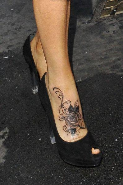 vlinder tattoo voet