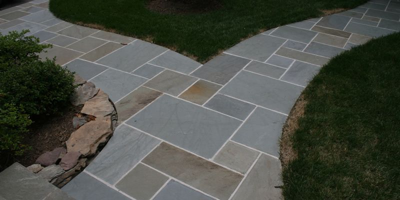 bluestone patio patterns base positioned in a random pattern