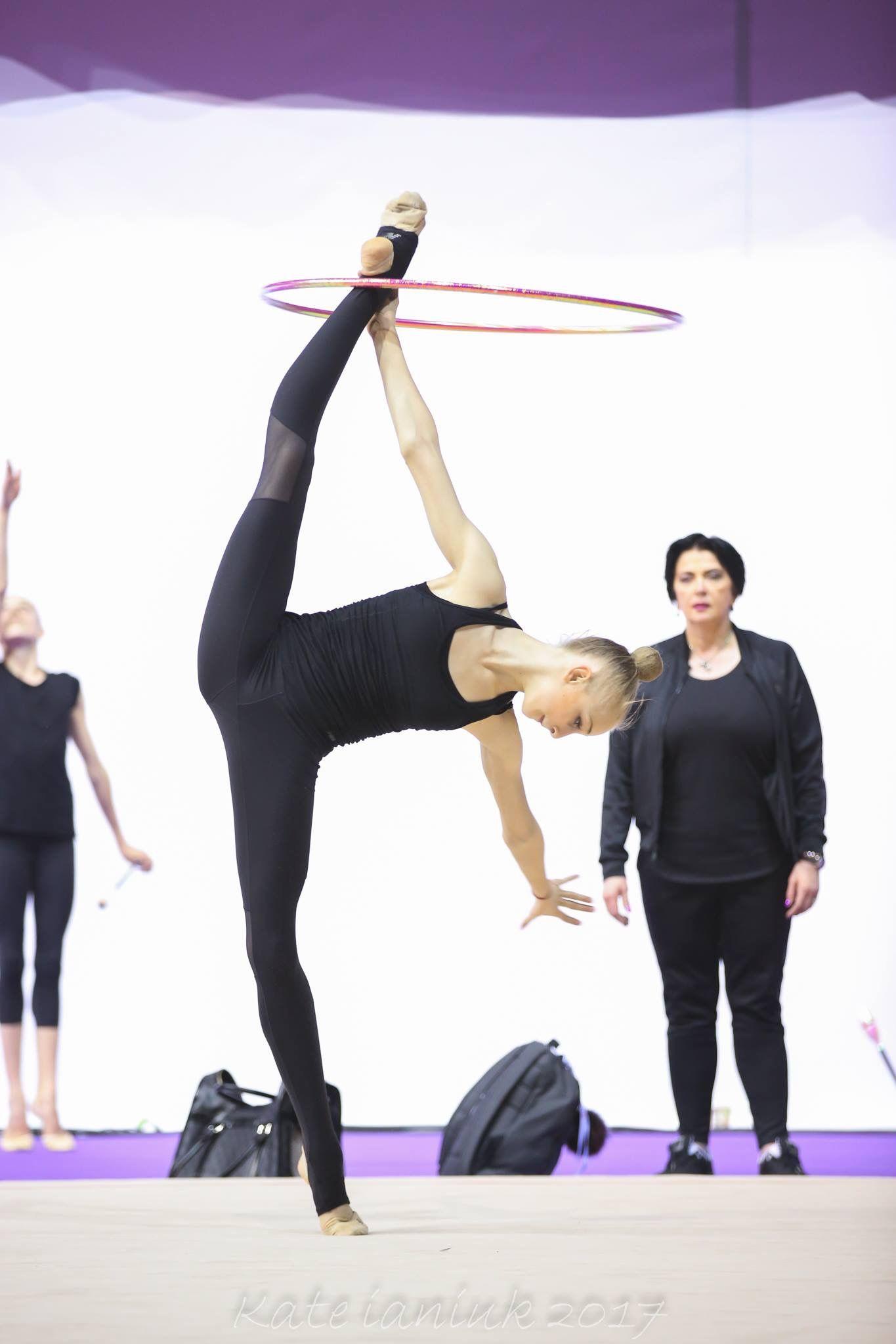 Olena DIACHENKO (Ukraine)🇺🇦 Warming Up Hoop routine