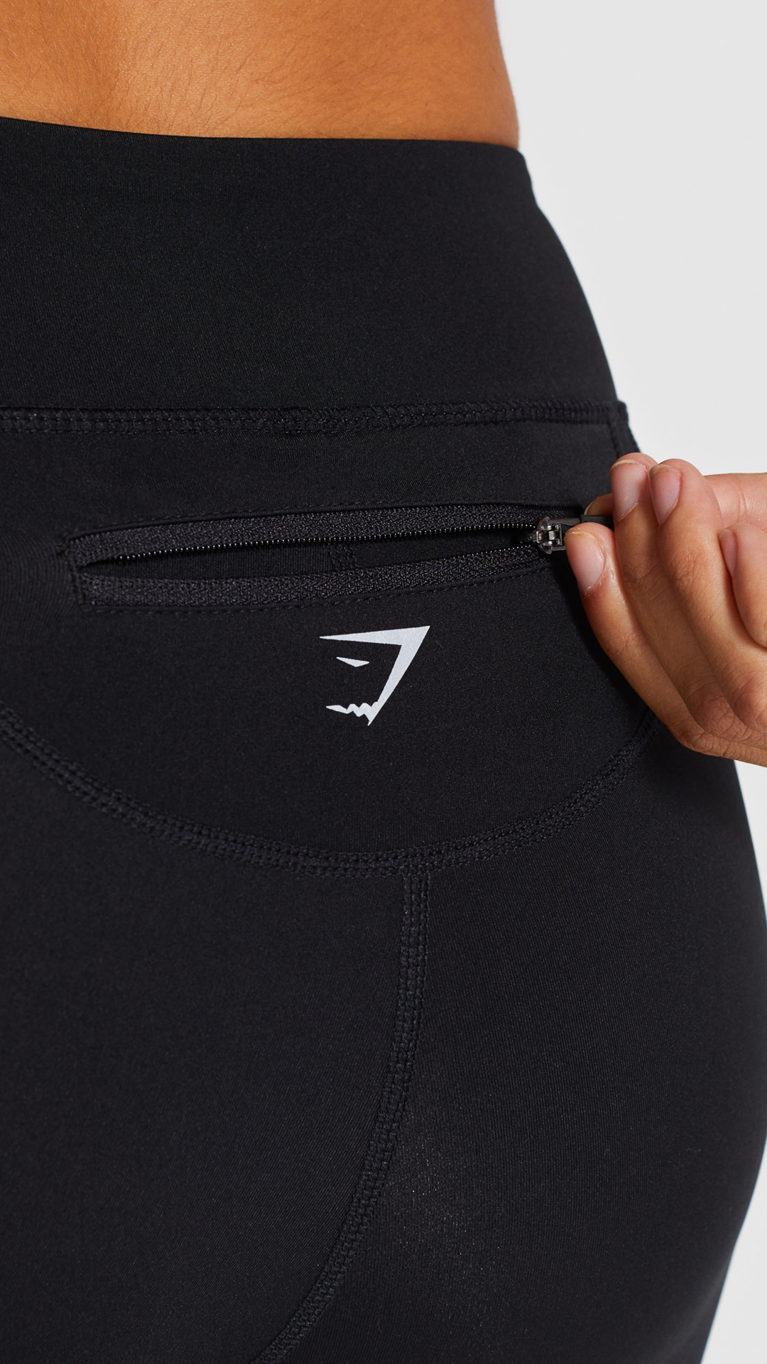 6ecc07e418d920 The Pace Running Legging offers a back pocket for ease and convenience. # Gymshark #Leggings #Tights #Pants #Comfort #Fitness #Workout #Girls #Womens  #Sport