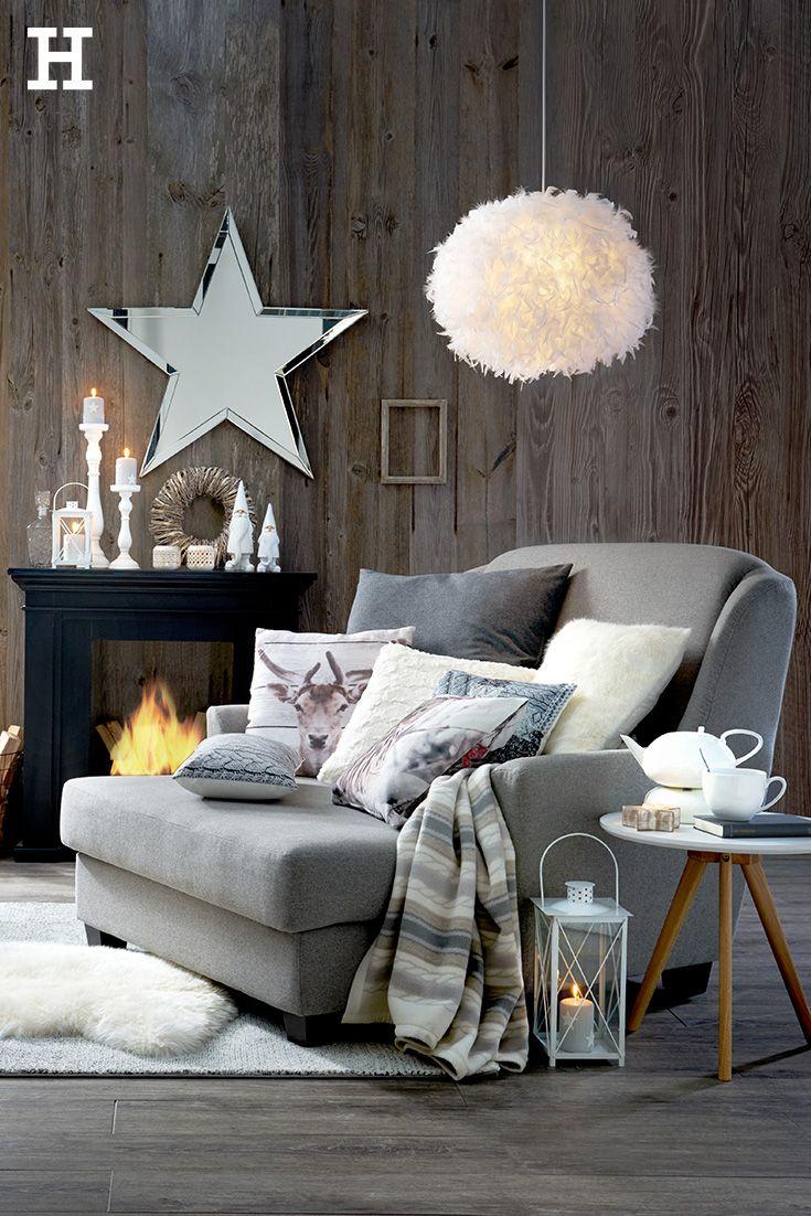 romantisches kaminzimmer an weihnachten: mit großem kuscheligen, Wohnzimmer dekoo
