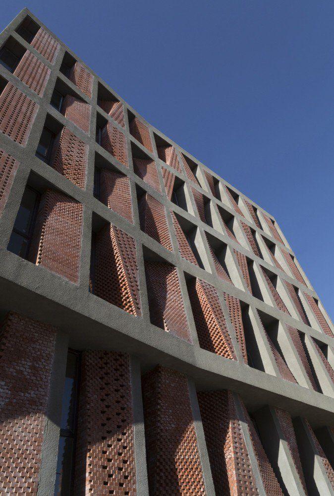 Kahrizak Residential Project / CAAT Studio