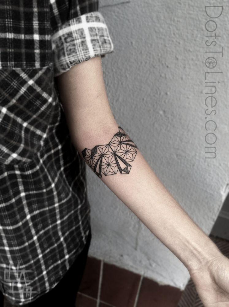 Dots And Lines Tattoo : lines, tattoo, Lines, Tattoos, Tattoos,, Geometric, Tattoo