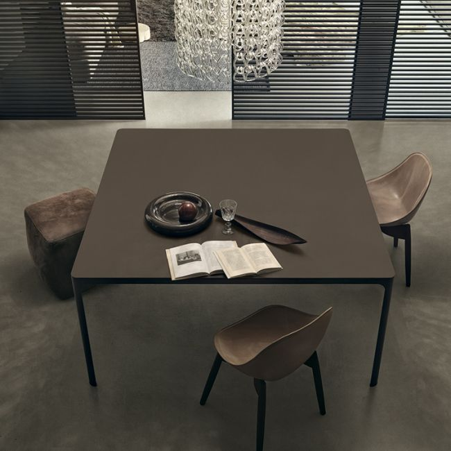 De flat tafel of vergadertafel van rimadesio is een ontwerp dat het beste de kwaliteit benadrukt - Tafel een italien kribbe ontwerp ...