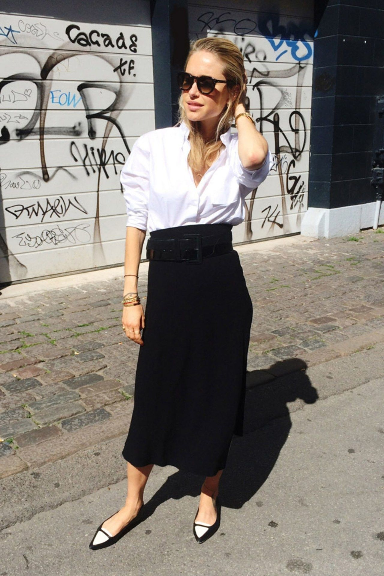 Showing White Top And Red Skirt For Teen 18 Chic Ways To Wear Your White  Button Down Shirt This Fall Glamour