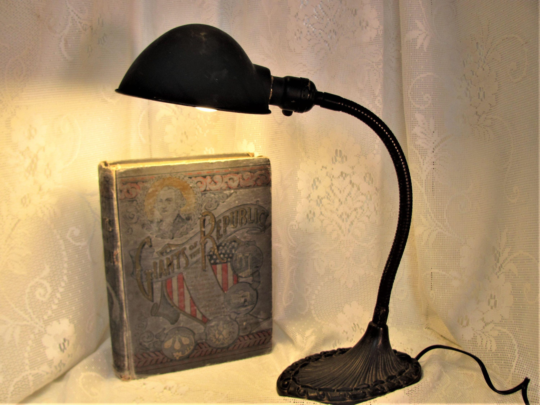 Vintage Desk Lamp Goose Neck Lamp Industrial Lamp Metal Desk Lamp Art Deco Lamp In 2020 Art Deco Lamps Metal Desk Lamps Industrial Lamp