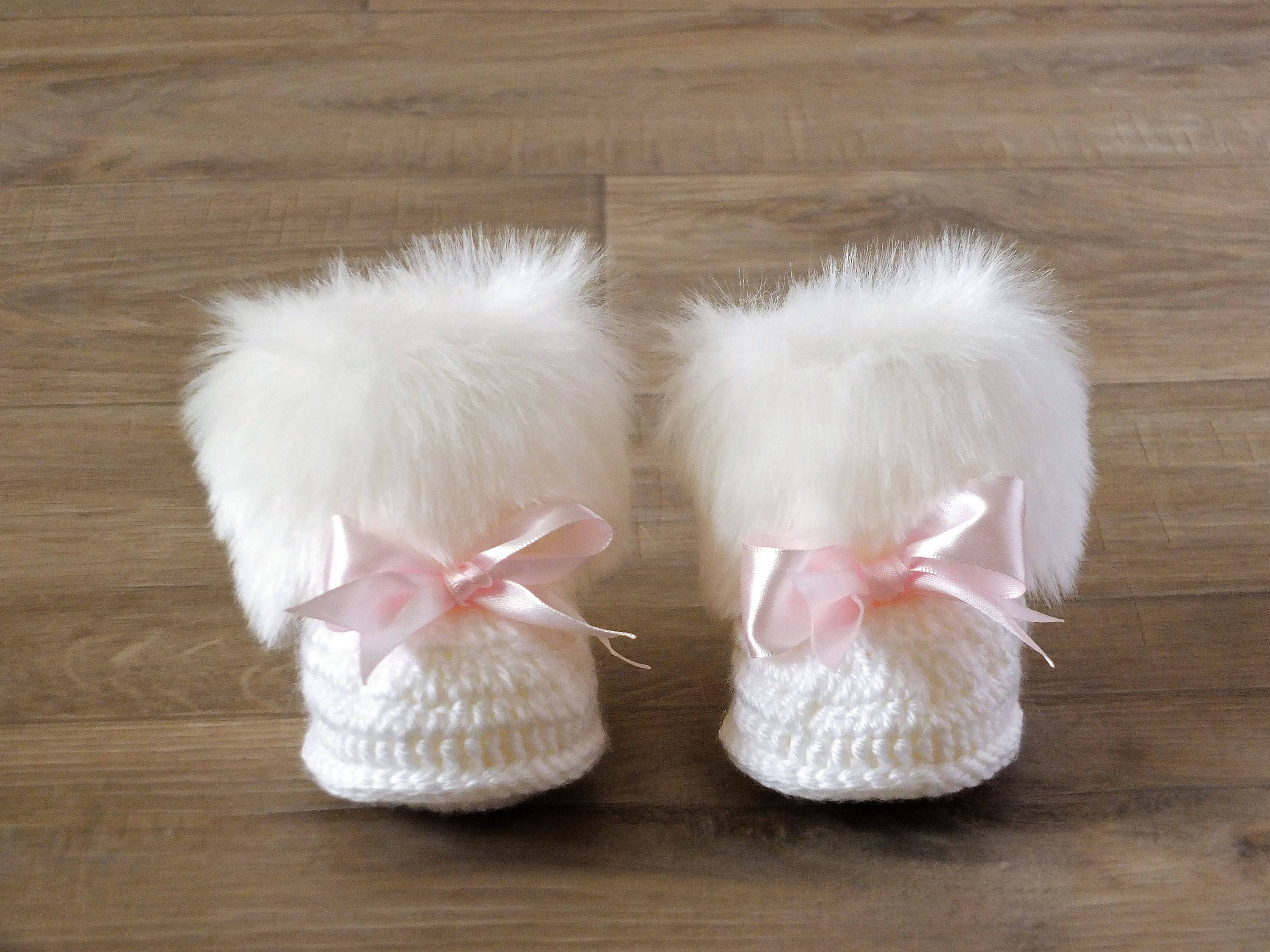 White Baby girl booties with pink bows Crochet Baby boots White