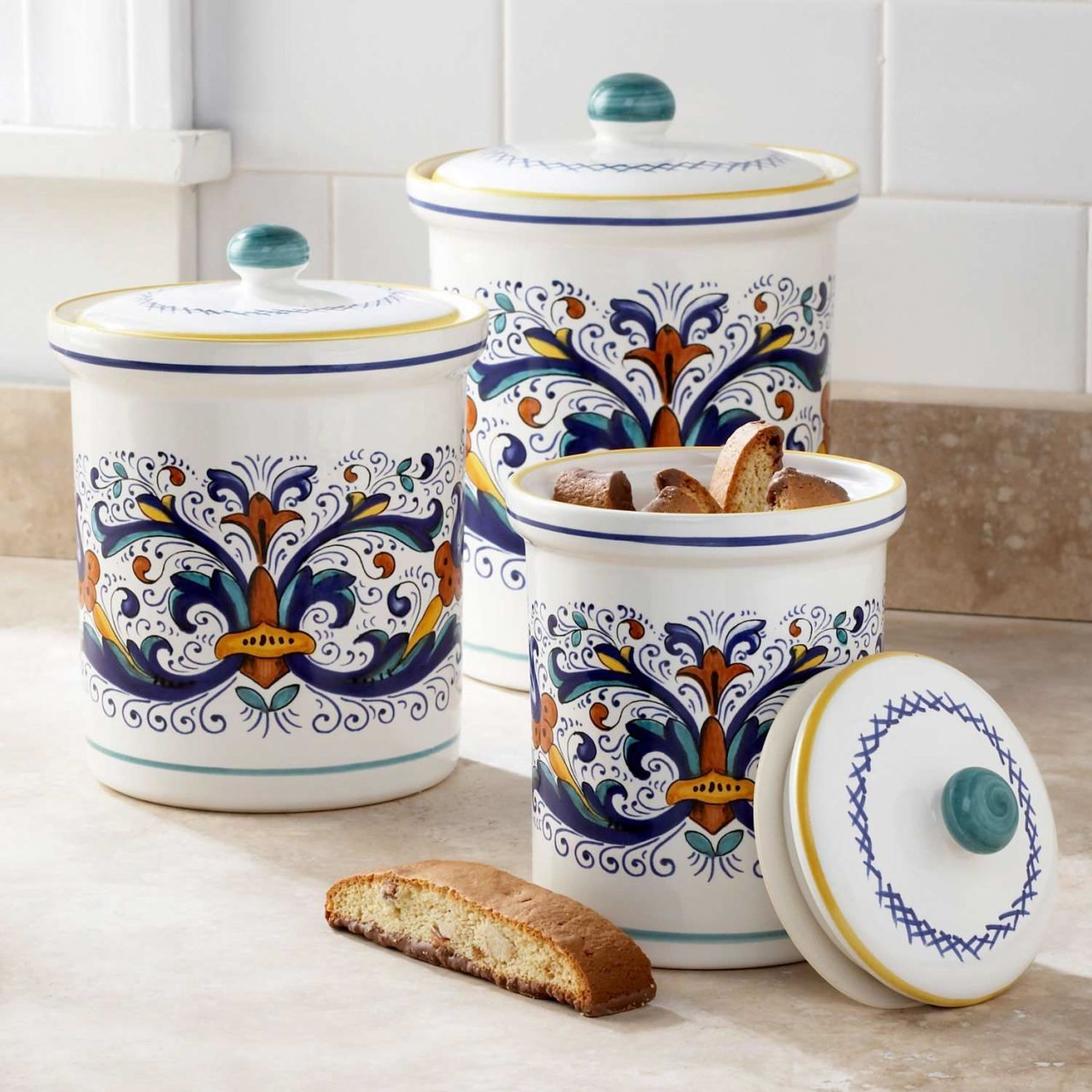 Deruta style canisters set of 3 sur la table one day for Italian kitchen set