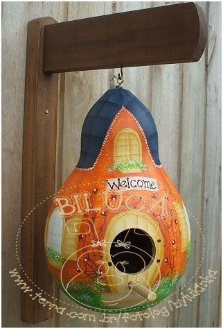 Pintura em porongo/cabaça.  P/ orçamentos, entre em contato pelo email bylukinha@yahoo.com.br.  Grata pela visita.  Luciane.