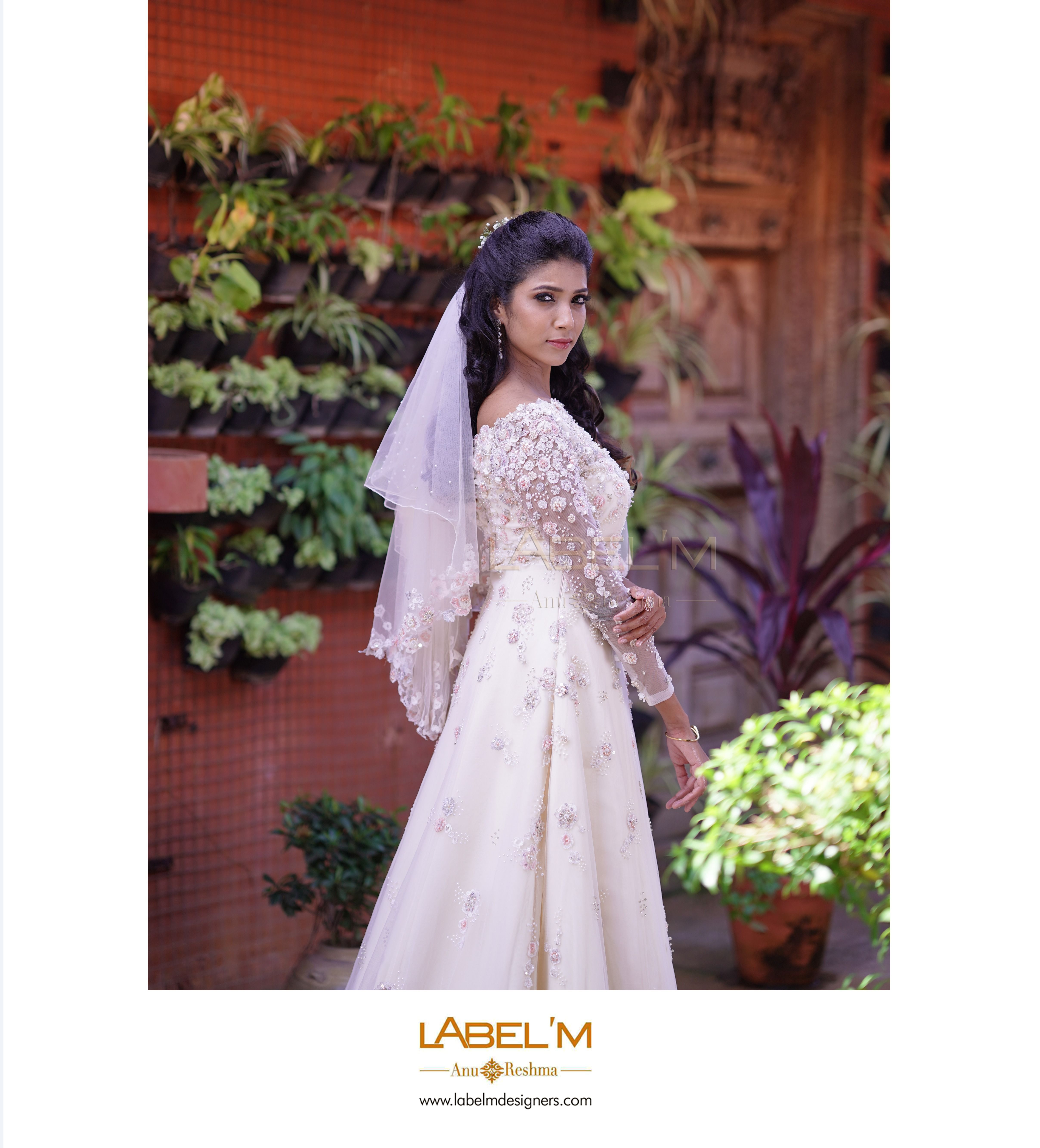 Here S We Presenting You The Exquisite Bridal Looks For The Next Season Book Your Bridal Appointments Now Bridal Looks Wedding Dress Shopping Wedding Styles