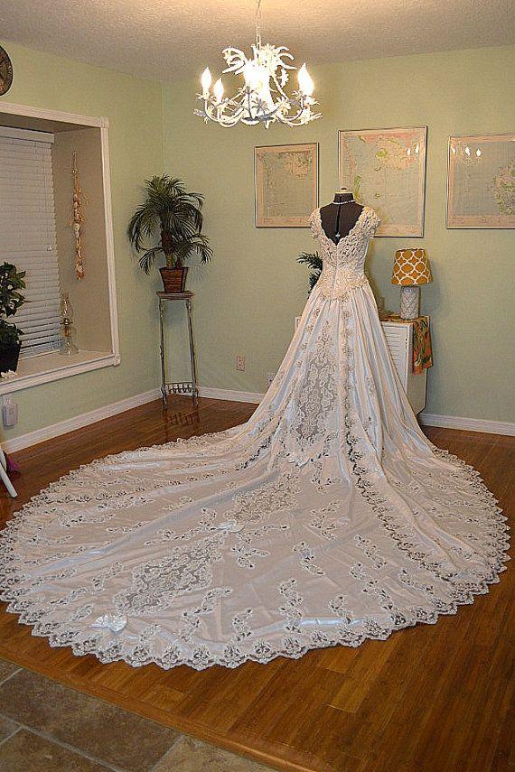 Vestiti Da Sposa 1980.1980s Satin Ballgown Wedding Dress Heavily Beaded Appliques