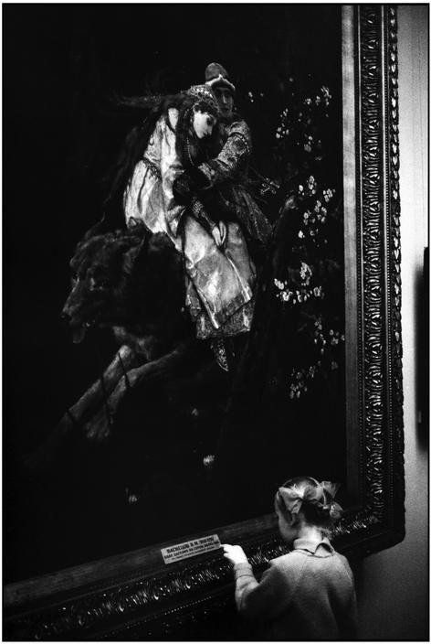 Martine Franck. Russia. Moscow. Pushkin Museum.