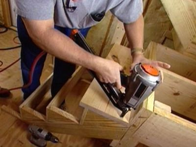 Fabriquer un escalier demi-tour en bois avec palier Salons