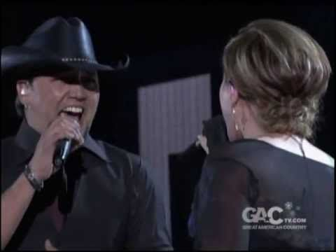 13dd59c4 ▷ Jason Aldean and Kelly Clarkson - Don't You Wanna Stay - YouTube ...