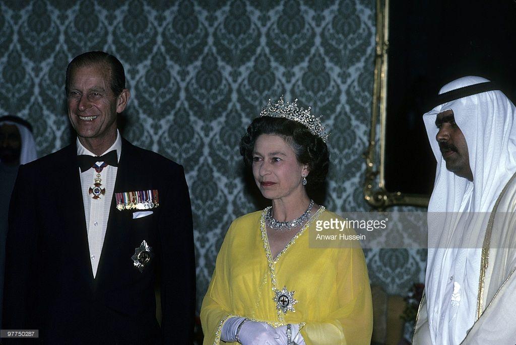 Queen Elizabeth 1979-2-25 Queen Elizabeth ll and Prince Philip Duke of Edinburgh meet Sheikh Rashid the ruler of Dubai as part of their tour of the Gulf States
